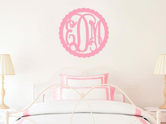 southern-moon-monogrammed-room-decor